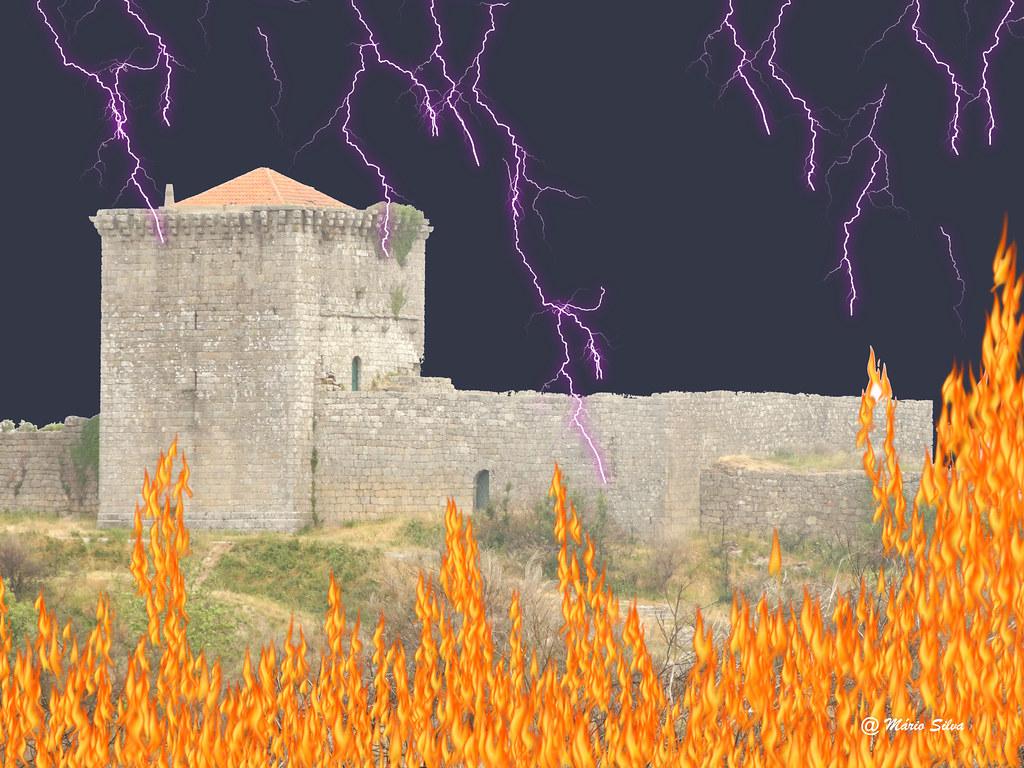 """Águas Frias (Chaves) - Castelo de Monforte do Rio Livre em dia das Bruxas - """"Halloween"""""""