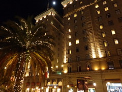 (sftrajan) Tags: sanfrancisco california christmas architecture lights december palmtrees unionsquare powellstreet 2014 stfrancishotel blissfaville