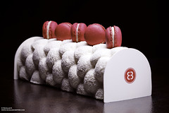 Bche de Noel (Nicolas-K) Tags: christmas macro cake canon dessert eos log noel 100mm yule gateau 6d macaron bche