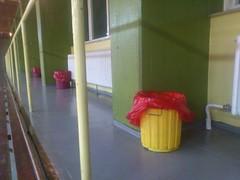 EIMER - BIN PORTRAITS (augen : blick) Tags: colorful buckets bins bunt eimer