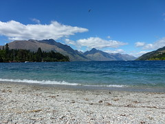 Queenstown brilliant clear morning (Mikaela123) Tags: newzealand mountains beautiful landscape s nz there southisland