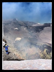 Villarrica volcano's crater, Pucon, Chile (Miche & Jon Rousell) Tags: chile patagonia lake southamerica argentina volcano crater andes pucon iphone villarricavolcano iphonography iphone6
