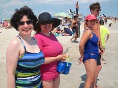 At Jones Beach (Joe Shlabotnik) Tags: beach sue jonesbeach davina sarahp 2014 faved bliksem 60225mm june2014