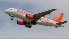 AIRBUS A319 111 EASYJET HB-JZL 2353 Ble Mulhouse juillet 2011 (paulschaller67) Tags: airbus 111 juillet easyjet mulhouse a319 2011 ble 2353 hbjzl