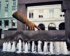 The Hand (blamstur) Tags: city sculpture fountain oslo norway hand glove christianiv