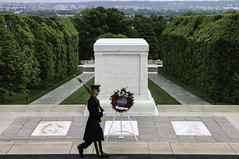 Tomb of the Unknown Soldier (Lawrence OP) Tags: arlington soldier tomb guard unknownsoldier honour nationalcemetery