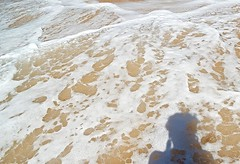 Encajes (desdetusojos) Tags: mar espuma playa sombras paraiso