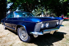 The Buick Riviera (hz536n/George Thomas) Tags: summer copyright canon buick riviera michigan canon5d nik flint carshow 2016 ef1740mmf4lusm cs5 sloanmuseum sloanmuseumautofair