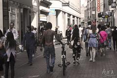 (YoSoyEntropia) Tags: people holland amsterdam bike photography photo different gente personas viajes holanda tatoos multitud tatoo diferente tatuaje robado robados tattooartists