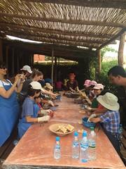 Cours de poterie pour enfants (ecolodgemaroc) Tags: vacances class agadir morocco maroc learning atlas enfants cole poterie kasbah exprience potery ludique apprentissage educatif