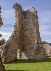 Bayham Abbey 15 (mini-b) Tags: bayhamabbey ruins englishheritage 13th15thcentury frant eastsussex canon eos5dmkii ef28300mm3556lisusm 2016