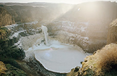 the brimming light (manyfires) Tags: nikonf100 35mm analog film pnw pacificnorthwest washington palousefalls waterfall golden morning sunrise glow flare sunlight landscape