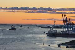 DSC_8368_1280 (Vrakpundare) Tags: sunset gteborg boats sweden gothenburg cranes inlet tanker lvsborgsbron lvsborgsfstning lvmynning henryblom vrakpundare