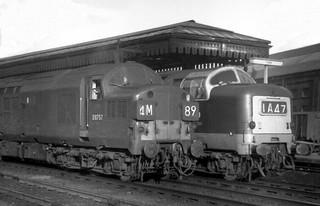 D6757 & D9008 The Green Howards stand together at York station on the 19th Sept 1964.