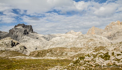 First view after getting off the cable car (Cursomán) Tags: landscape paisaje cantabria 2014 picosdeeuropa canon60d