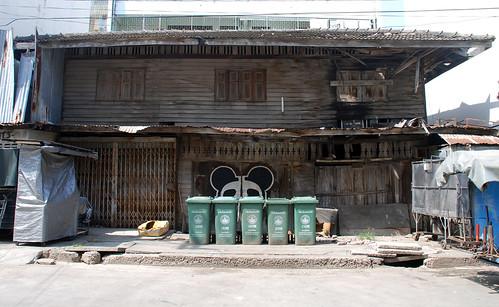 Ghetto house, Hua Hin