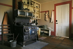 VA14C6962 (catnahat) Tags: kitchen farmhouse canon eos virginia antique interior country rustic 19thcentury stove 6d smyth settlersmuseum