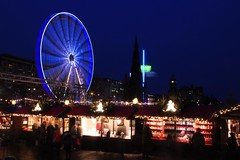 Edinburghchristmas 2014. (boneytongue) Tags: christmas street art wheel lights edinburgh go carousel ferris round childrens rides merry feliz jul nol princes festivities  stalls  vnoce frhliche natalizie