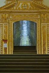 Oro y Plata (Momoztla) Tags: door luz ex silver mexico gold golden puerta stair interior capital indoor plata convento reflejo oaxaca domingo pasillo santo escaleras dorado oro momoztla