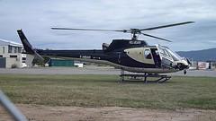 Eurocopter Ecureuil en el aerodromo de Empuriabrava (JOZUAL) Tags: costa star chopper euro alt aviation helicopter 350 b2 helicopters alto leap brava copter cataluña gerona helicoptero 2b airfield eurocopter as350 astar castellon aerodrome ampuriabrava ampurdan emporda arriel aviacion eads empuriabrava helicopteros aerospatiale ecureuil airdrome aerodromo turbomeca 350b2 as350b2 ampurias fadec fhbah