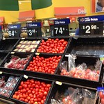 Supermarket in Houston, Texas USA thumbnail