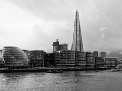The Shard (FloBue) Tags: city uk england blackandwhite london thames architecture river cityscape fiume stadt highrise architektur schwarzweiss fluss grattacielo shard londra architettura biancoenero citt hochhaus themse inghilterra tamigi 2016 stadtansicht