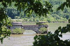 Bannerman Castle (Yuri Dedulin) Tags: 2016 bannermancastle beacon dedulinyuri hudsonriver newyork pollepelisland walkingtour weekend