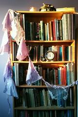 ... Home Time ... Bookshelf Bookcase Books Evening Light Clocks Bohemian Interior Decorations Light    (Almena14) Tags: decorations light home time interior books bookshelf bookcase bohemian clocks eveninglight
