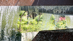 A splash of colour (dakw23) Tags: chatergarden fountain water splash leica 75mm2 aposummicron f2