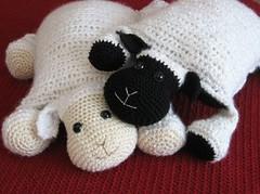 DIY-Adorable-Lamb-Pillow-tutorial (Wonderful DIY) Tags: diy adorable pillow lamb tutorial