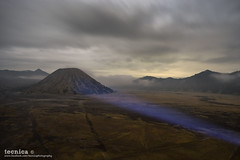 Last Light (t3cnica) Tags: longexposure travel light mountain nature clouds indonesia volcano landscapes nationalpark intense dusk bromo lastlight batok mountbromo leadinglines travelphotography mountbatok leadingpatterns