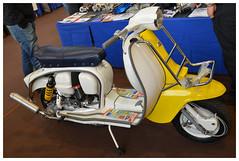 Scooter LAMBRETTA (baffalie) Tags: old milan classic car vintage italia expo retro coche moto italie ancienne fiera classicas