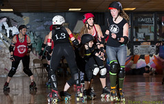 Rainier Roller Girls - Red & Black Scrimmage (Eric Von Flickr) Tags: seattle girl sport washington women track flat skating roller skater athlete derby skates banked wftda