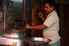 Food of Delhi (Mayank Austen Soofi) Tags: food tea delhi cook walla ladle