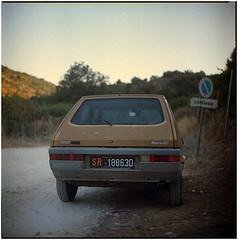 .rallentare per poi accelerare con un ritmo fluente di vita nel cuore (Herr Benini) Tags: auto italy car vintage italia fiat sicily sicilia ritmo continua