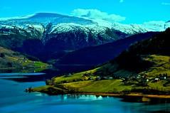 Utsikt frå Tjuanolten (Jostein Kjerland) Tags: granvin nesheim oksen granvinsvatnet ingebjørgfjellet hausnes tjuanolten