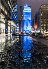 Fun with Rain (DSC07015) (Michael.Lee.Pics.NYC) Tags: longexposure newyork reflection rain architecture night cityscape sony lighttrail helmsleybuilding traffictrail voigtlanderheliar15mmf45 a7rm2