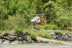Air-Glaciers in Stckalp-Melchsee-Frutt 28.5.2016 0708 (orangevolvobusdriver4u) Tags: schweiz switzerland transport helicopter hubschrauber airtransport archiv 2016 helikopter melchseefrutt stckalp airglaciers airglacier