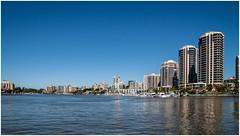 Brisbane . (:: Blende 22 ::) Tags: water reflections river australia bluesky brisbane queensland australien citycat wintertime sigma1770mm canon50d