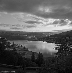 Looking North from Rowena Crest, May 2016 (Gary L. Quay) Tags: rowena crest oregon washington columbia river gorge mosier hasselblad 500cm clayton milford delta film carl zeiss morning north gary quay