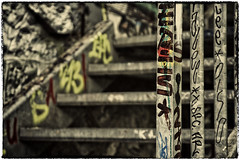TagBarriere_7210 (cocolokoproducciones) Tags: graffity streetart tags