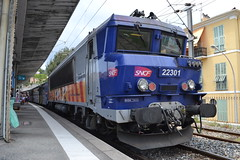 SNCF Provence Alpes Côte d'Azur 22301 (Will Swain) Tags: south france sud est east provence alpes côte dazur 8th july 2016 summer train trains rail railway railways transport travel vehicle vehicles europe french voyage société nationale des chemins de fer français menton sncf 22301 ville