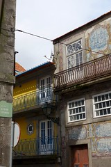 DSC04579 (nomiegirardet) Tags: porto portugal europe water douro bird goelan house old red sky river blue wine food wall azulejos faence yellow