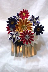DSCF8179 (EruwaedhielElleth) Tags: flower floral set hair japanese pin handmade decoration craft maiko ornament fabric hana geisha folded hairpin bira tsumami kanzashi acessory birabira zaiku imlothmelui