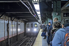 r_150116393_beat002_a (Mitch Waxman) Tags: newyorkcity newyork subway manhattan midtown 59thstreet rline