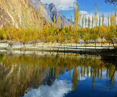 Autumn at Khalti Lake (NotMicroButSoft (Fallen in Love with Ghizar, GB)) Tags: autumn water river lakes ghizar phandar gupis khalti gilgitbaltistan
