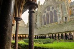 Le cloître de l'abbaye du Mont Saint-Michel (Flacape29) Tags: mont hdr saintmichel abbaye cloître