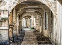 Rue de l'Escale, La Rochelle (StefSup) Tags: france nikon larochelle rue d800 pavedstreet pave xviiemesicle ruelescale
