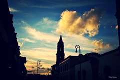 Un atardecer en Aguascalientes, Mxico. (spawn5555) Tags: street sol mxico atardecer photo foto colonial ciudad aguascalientes estado barroco fotografa