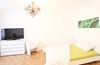 31er Astoria Schlafzimmer (Glandon) Tags: weiss fernseher kommode bettwäsche kronleuchte gepunktet grünlage grünesbild